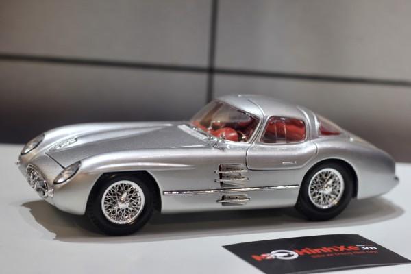 1955 Mercedes-Benz 300 SLR Uhlenhaut Coupe 1:18 Maisto