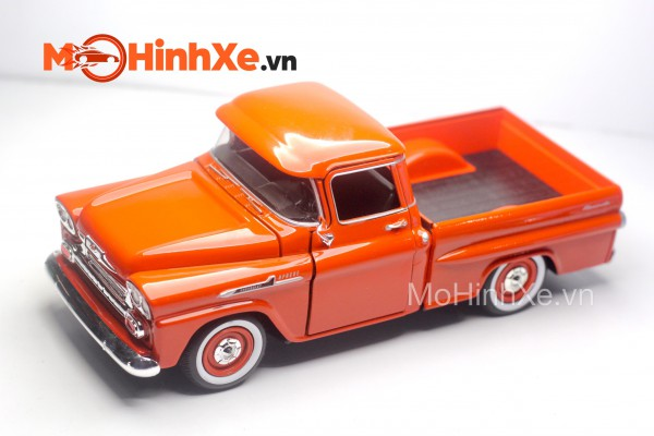 1958 Chevrolet Apache Fleetside Pickup 1:24 Motormax