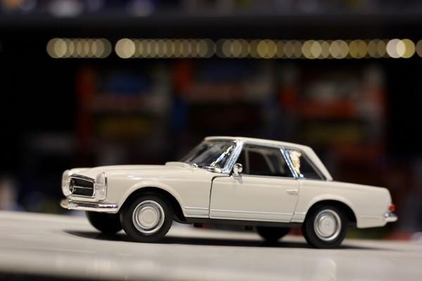 1963 Mercedes-Benz 230SL 1:24 Welly