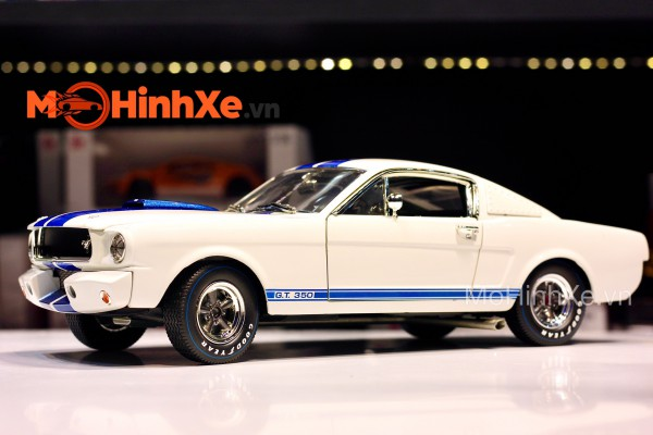 1965 Shelby GT 350R 1:18 Shelby Collectibles