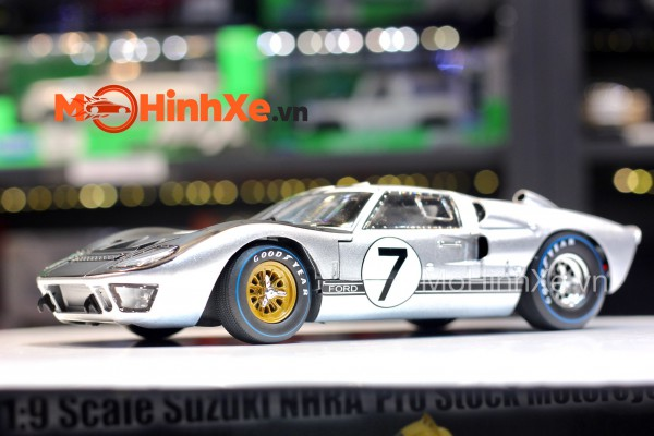 1966 Ford GT 40 II 1:18 Shelby Collectibles