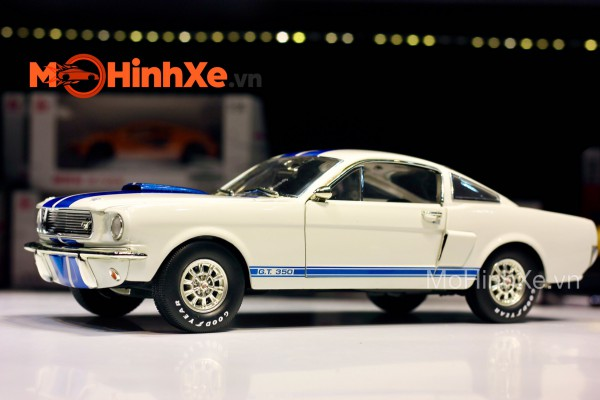 1966 Shelby GT 350 1:18 Shelby Collectibles