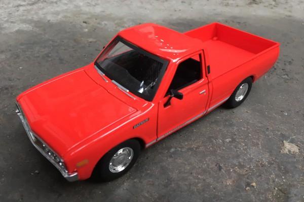 1973 Datsun 620 Pick-Up 1:24 Maisto