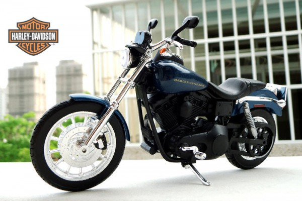 2004 Harley-Davidson Dyna Super Glide Sport 1:12 Maisto