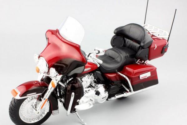 2013 Harley-Davidson FLHTK Electra Glide Ultra Limited 1:12 Maisto