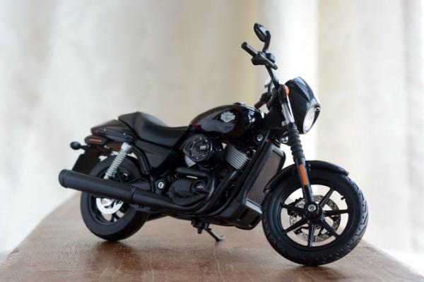 2015 Harley-Davidson Street 750 1:12 Maisto