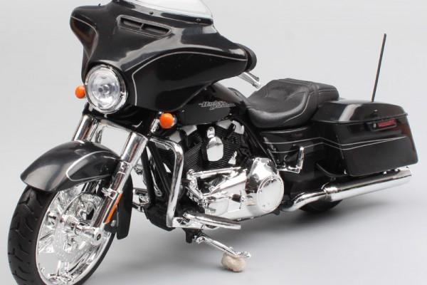 2015 Harley-Davidson Street Glide Special 1:12 Maisto