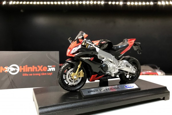 Aprilia RSV 4 Factory 1:18 Welly