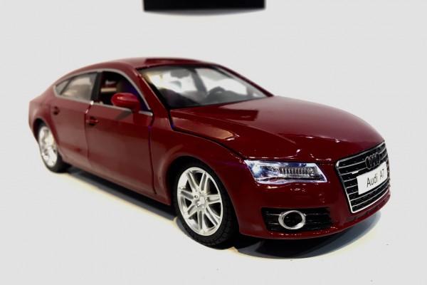 Audi A7 1:24 MSZ