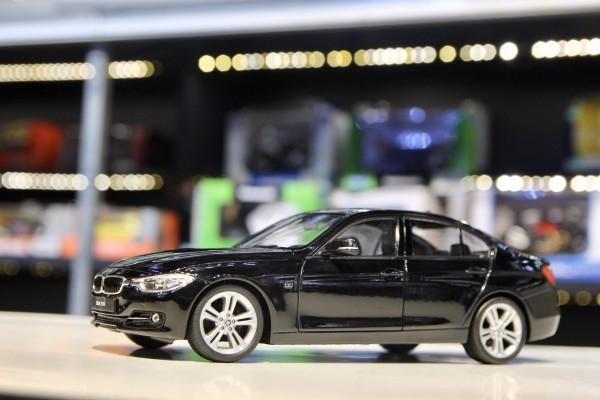 BMW 335i 1:24 Welly-FX