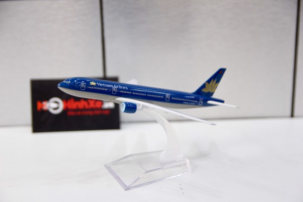Boeing 777 Vietnam Airlines 1:400 Aircraft Model