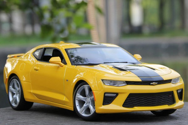Chevrolet Camaro SS 2016 1:18 Maisto