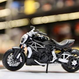 Ducati XDiavel S 1:18 Bburago