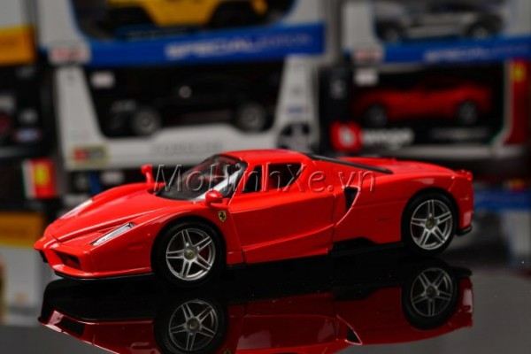 Ferrari Enzo 1:24 Bburago