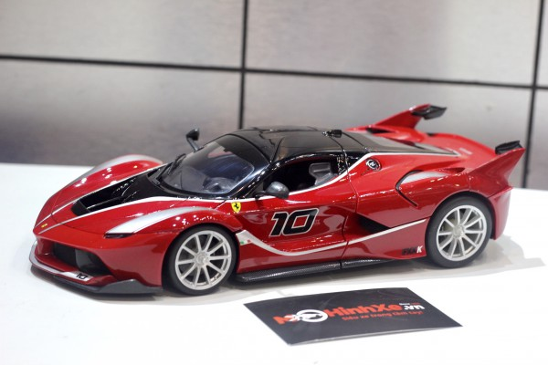 Ferrari FXX K No.10 1:18 Bburago