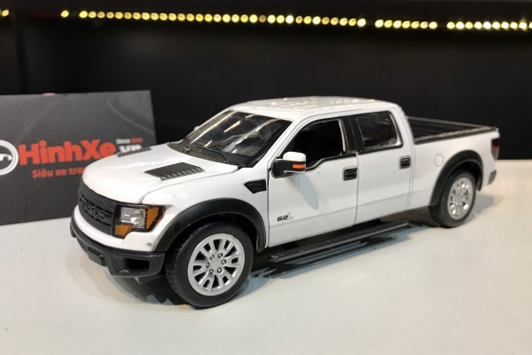 Ford F-150 SVT Raptor SuperCrew 1:32 MSZ