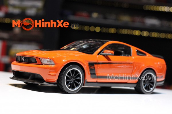 Ford Mustang Boss 302 1:24 Maisto