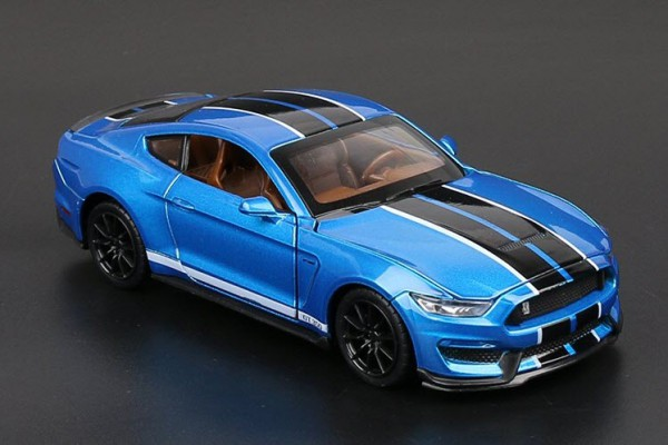 Ford Shelby GT350 1:32 MSZ