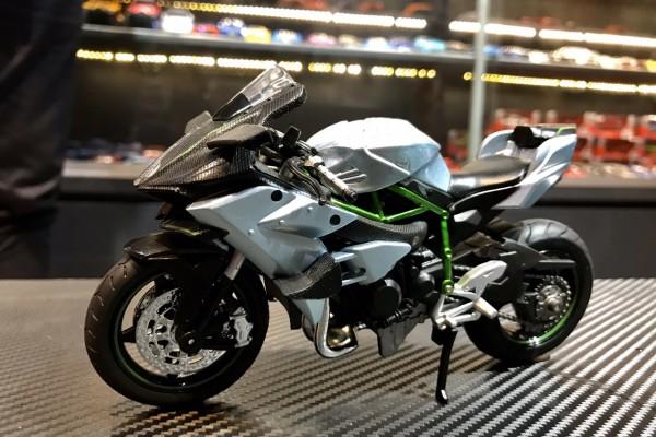 Kawasaki H2R 1:12 HuaYi Model