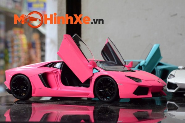 Lamborghini Aventador LP700-4 1:24 Welly-FX