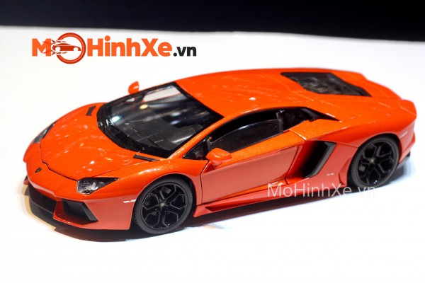 Lamborghini Aventador LP700-4 1:24 Welly-FX
