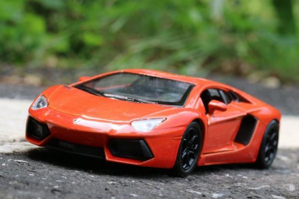 Lamborghini Aventador LP700-4 1:36 Welly