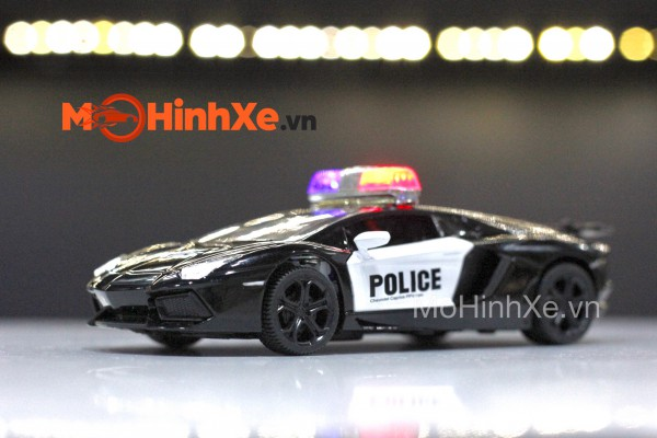 Lamborghini Aventador LP700-4 Police 1:32 TY Models