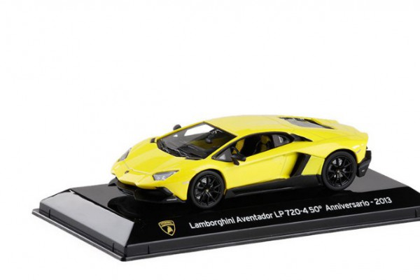 Lamborghini Aventador LP720-4 50' Anniversario 2013 1:43 Dealer