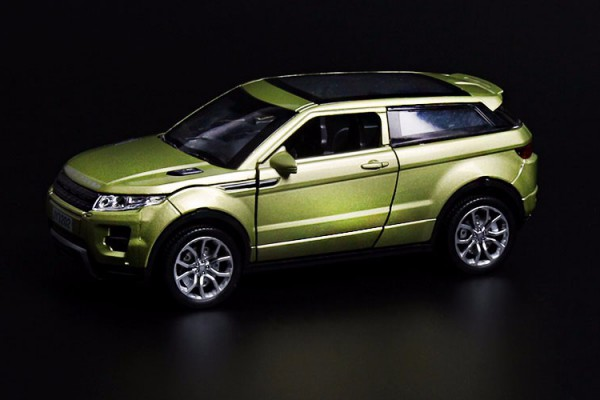 Land Rover Range Rover Evoque 1:32 Double Horses