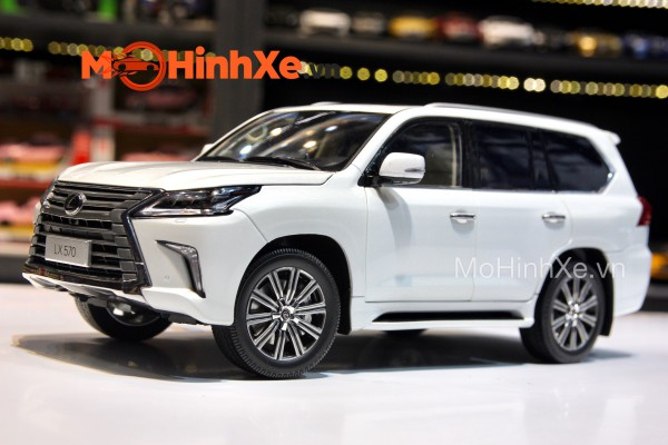 Lexus LX570 2019 1:18 Kyosho
