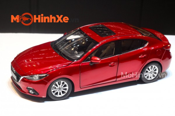 Mazda 3 Sedan 1:18 Paudi