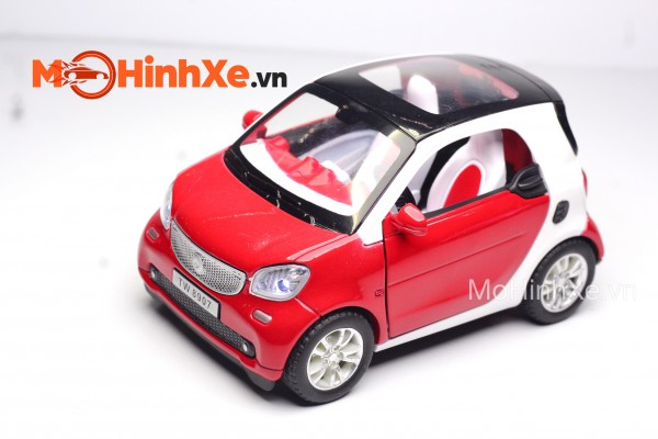 Mercedes-Benz Smart Fortwo 1:32 TY Models