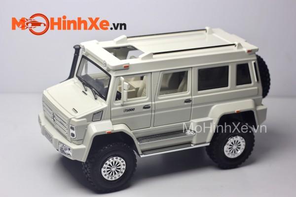 Mercedes-Benz Unimog U5000 1:24 XLG