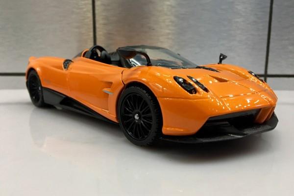 Pagani Huayra Roadster 1:24 Motormax