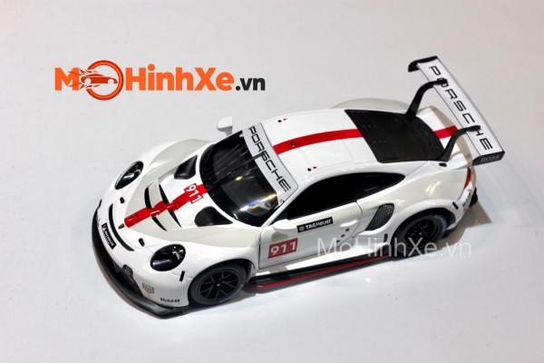 Porsche 911 RSR 1:24 Bburago