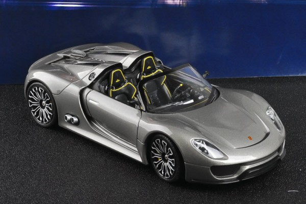Porsche 918 Spyder Concept 1:24 Welly-FX