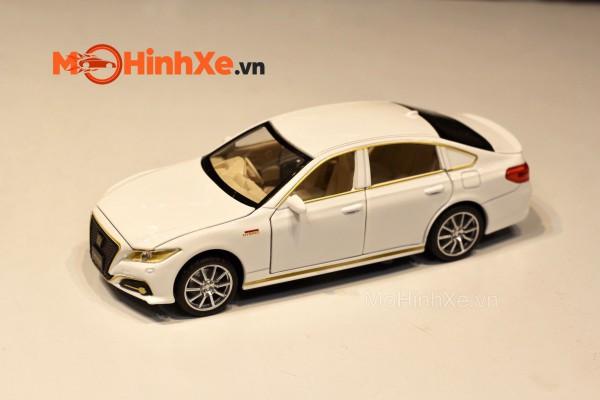 Toyota Crown 1:32 HÃNG KHÁC