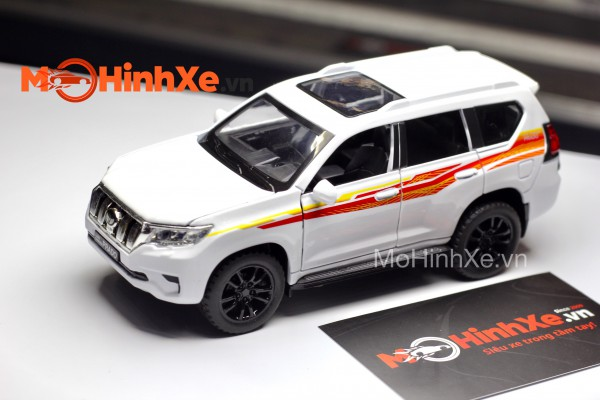Toyota Land Cruiser Prado 1:32 Double Horses
