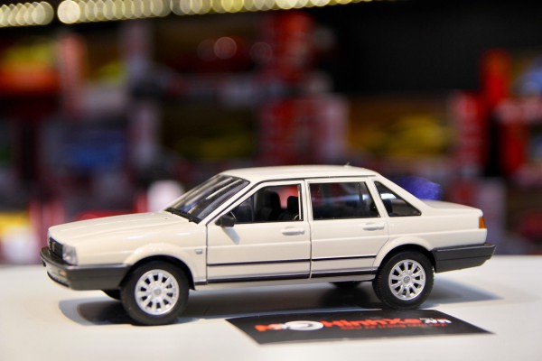 Volkswagen Santana 1:24 Welly