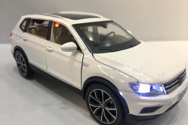 Volkswagen Tiguan 2018 1:32 Sheng Hui