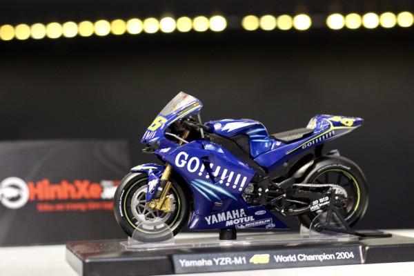 Yamaha YZR-M1 No.46 World Champion 2004 1:18 LEO