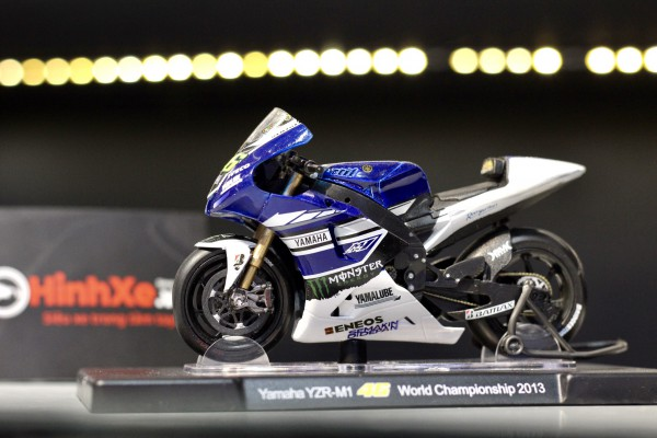 Yamaha YZR-M1 No.46 World Championship 2013 1:18 LEO
